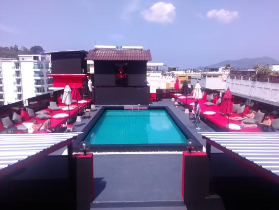 AsiaLoop G-House: Roof top Pool Area