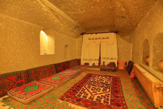 Grand Cave Suites: king suite