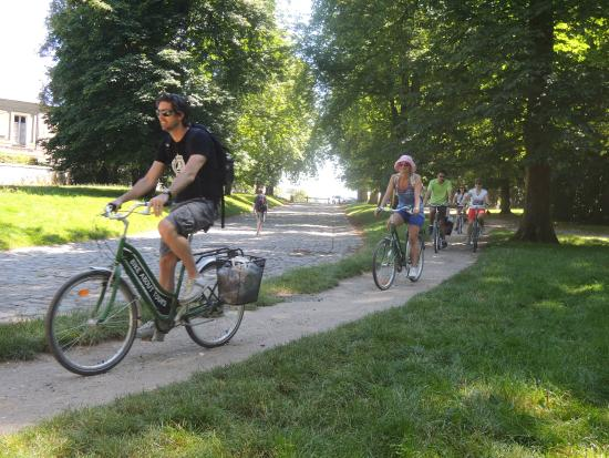 versailles promenade picture of bike about tours paris tripadvisor. Black Bedroom Furniture Sets. Home Design Ideas