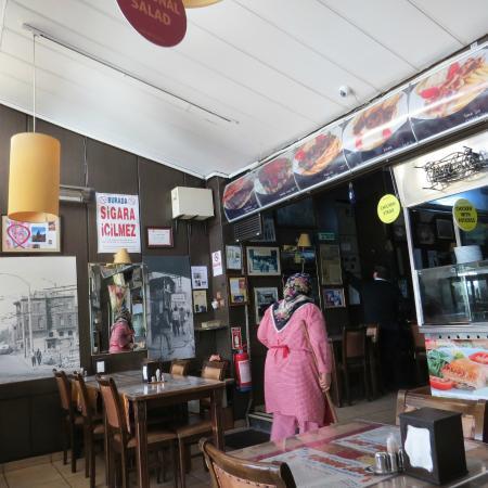 Pudding Shop: Inside View