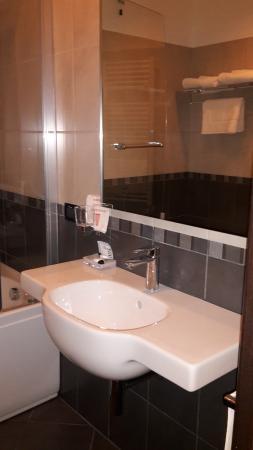 Nautilus Hotel : bathroom