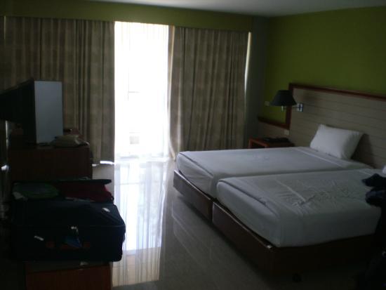 Long Beach Cha-am Hotel: chambre