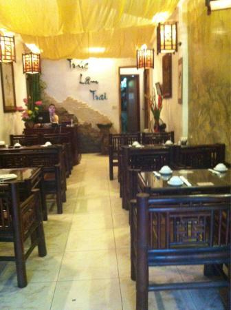 Truc Lam Trai: Restaurant