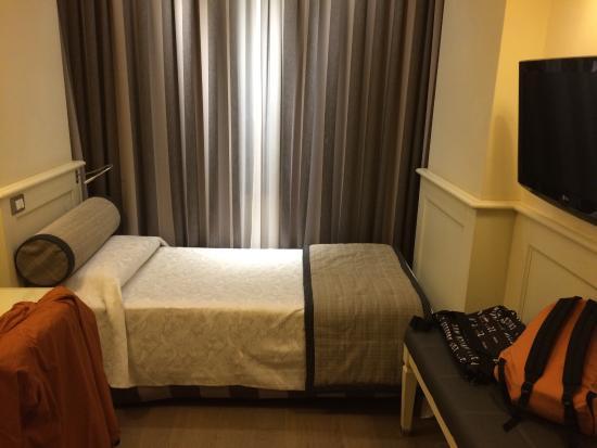 Hotel Campo Marzio : Camera singola: letto