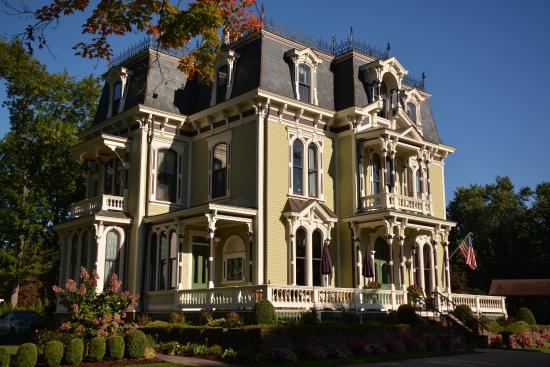 Silas W. Robbins House: The best B&B ever