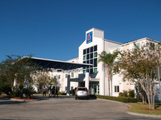 ‪‪Motel 6 Orlando International Drive‬: Exterior of the property‬