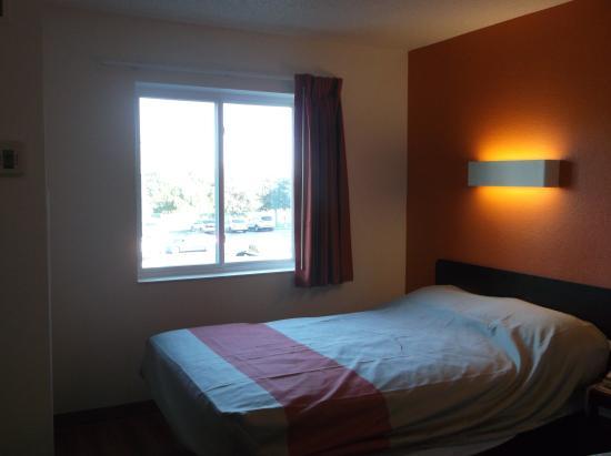 Motel 6 Orlando International Drive: Room 245
