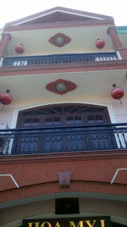 Hoa My Hotel: Front balconies