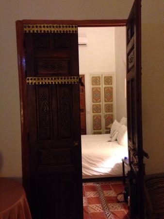 RIad Al Loune: Entrance to bedroom