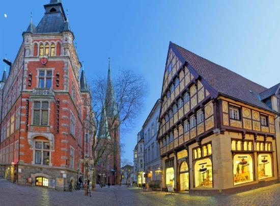 Rathaus lamberti kirche und degodehaus in oldenburg oldb for Designhotel oldenburg