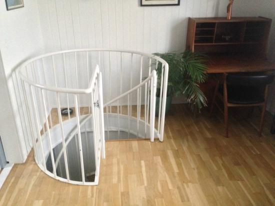 Grettisborg Apartments: spiral staircase apartment 1