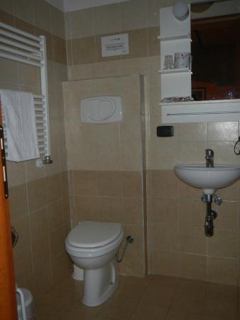 Bathroom Picture Of Cesare Balbo Inn Rome TripAdvisor