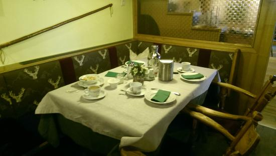 Hotel Hohe Burg: our table