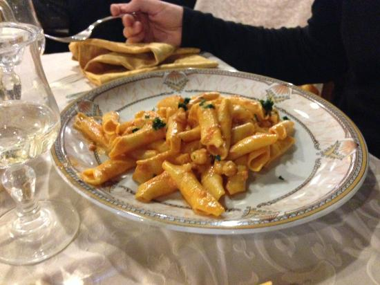 Chiesuol del Fosso, Italia: Primo piatto di pesce
