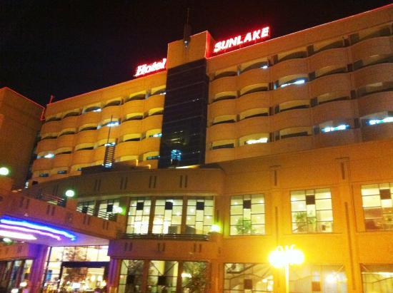 โรงแรมซันเลค: Hotel Sunlake