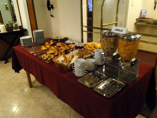 Mesa de desayuno picture of hotel corrientes santa fe - Mesas de desayuno ...