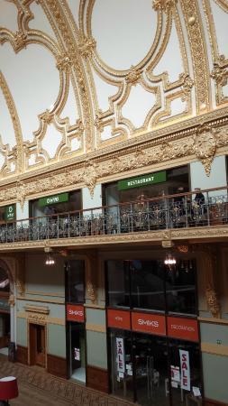 Shopping Stadsfeestzaal: Second floor