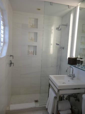 The Betsy - South Beach: Bathroom
