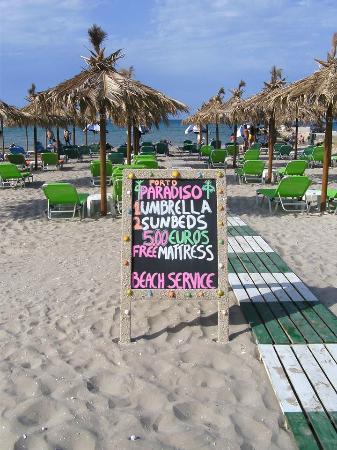 Porto Paradiso Cafe: Best sun loungers on the beach