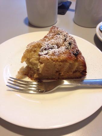 David Mellor Cafe: Apple and cinnamon cake