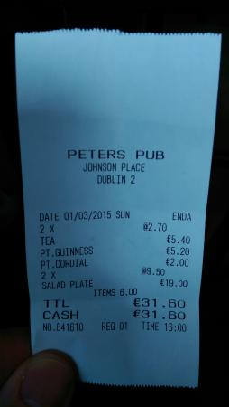 Peter's Pub: Two euro for a pint of water with a dash of lime