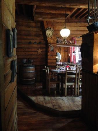Chez les Fondus : la salle
