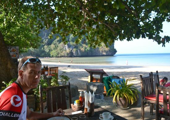 Railay Village Resort: restaurant au petit déjeuner