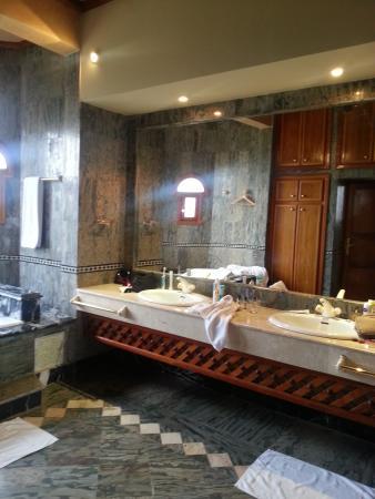 Palais Clementina: une salle de bain de rêve