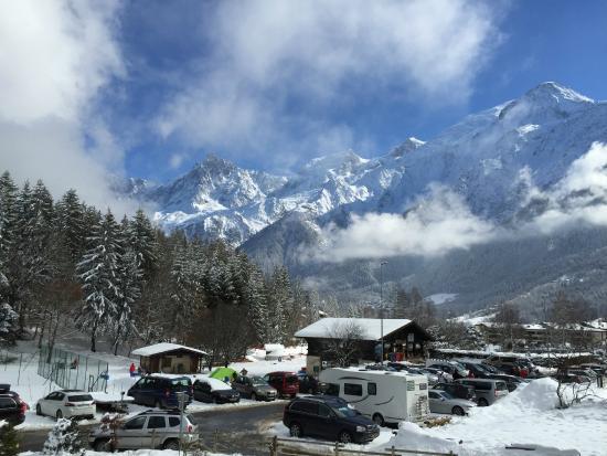 Résidence CGH Hameau de Pierre Blanche : L'Aiguille du Midi et le massif du Mont-Blanc