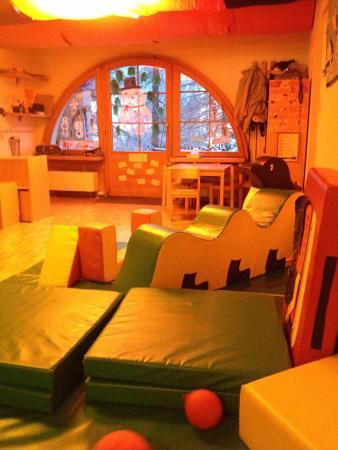 Apart- und Kinderhotel Muchetta: Babyspielbereich