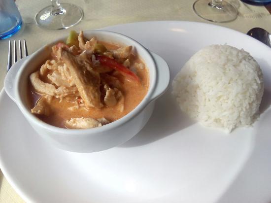 Bangkok: Pollo rojo curry tailandes