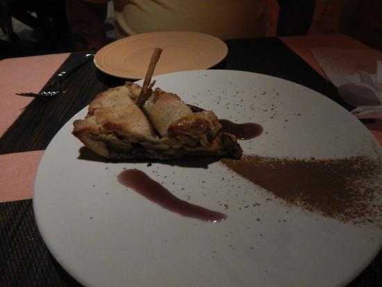 Restaurante Bar Zarabanda: apple cake