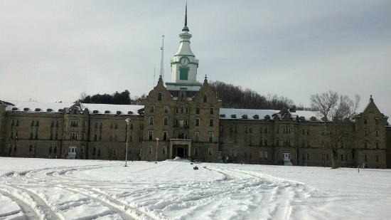 Trans-Allegheny Lunatic Asylum: Feb 2015 with snow on the ground