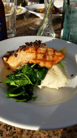The Mansion : Salmon, garlic mashed and spinach. Very, very good.