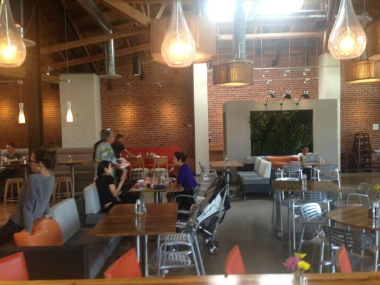 LYFE Kitchen, Culver City: Inside