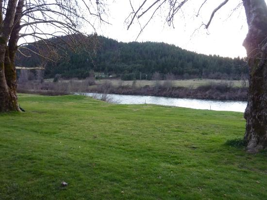 Happy Camp, Kaliforniya: Klamath River River Inn Resort