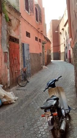 Riad Kasbah: Rue/Derb Harbil