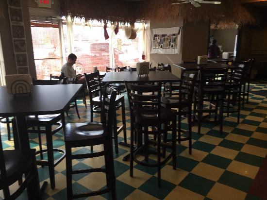 Altu's Ethiopian Cuisine: Restaurant interior