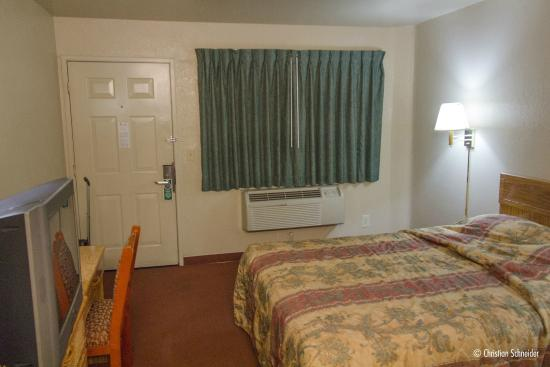 Good Nite Inn Sylmar: Um hotel decadente