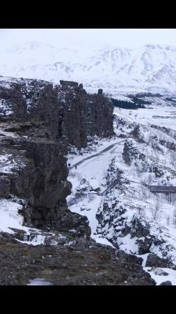 Pingvellir National Park Campground: Tectonic plates - and me right down there 😊