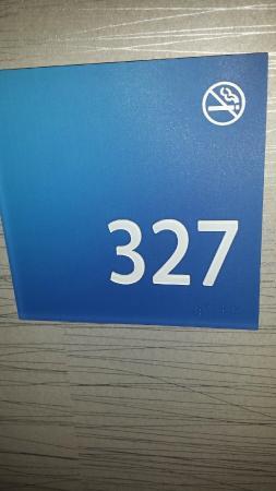 Holiday Inn Express Hotel & Suites Wheat Ridge-Denver West: Room 327