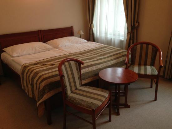 Amigo City Centre Hotel: room 304