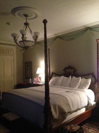 The Inn on Negley: room