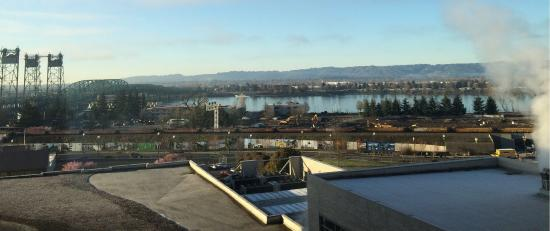 Hilton Vancouver Washington: Sunday morning, March 1, 2015 in sunny Vancouver.