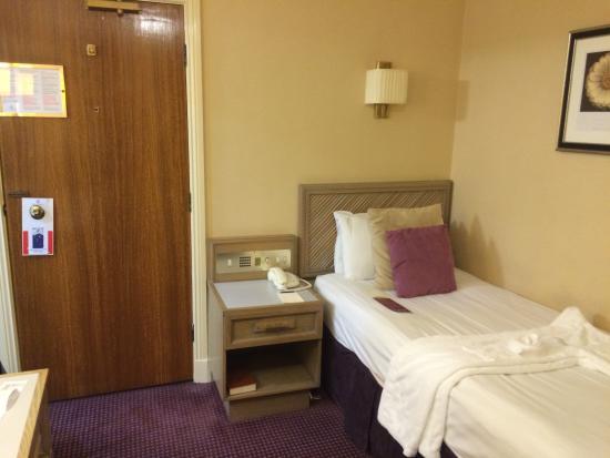 Cosmopolitan Hotel Leeds Rooms