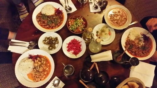 Dibek: 세종류의 항아리케밥과 병아리 콩?스프