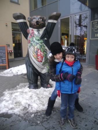 Hotel BelAhr: Maider and Jon in front of the welcoming bear