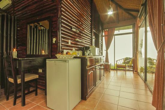 GreenLagoon Wellbeing Resort: Kitchen, Villa without Pool