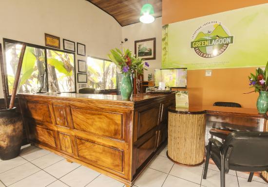 GreenLagoon Wellbeing Resort: Front Desk area