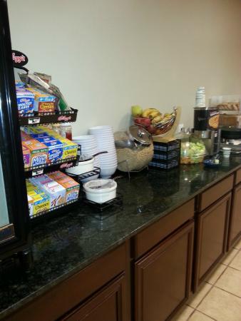 BEST WESTERN Old Colony Inn: Breakfast area